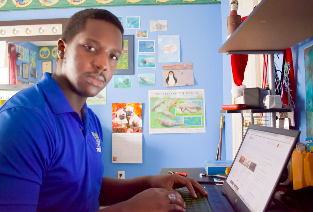 For Caleb Suggs, a University of Memphis senior and WKNO Radio News Intern, the college experience of 2020 involves many quiet, isolated hours logged onto a computer in his bedroom. (Caleb Suggs)