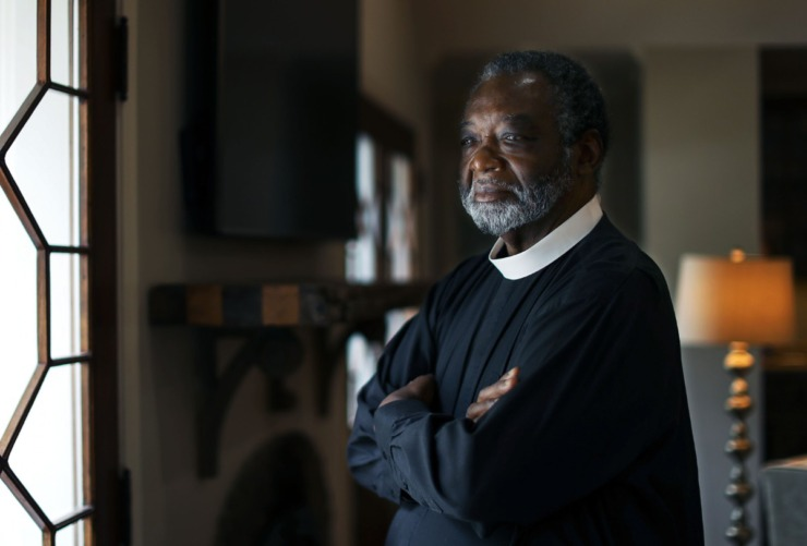 """""""I knew he loved me, but I didn't know he loved me that much. Lee and I might not have compatible blood types, but we are brothers forever,"""" Rev. Colenzo Hubbard says of his friend Lee Giovannetti.(Patrick Lantrip/Daily Memphian)"""